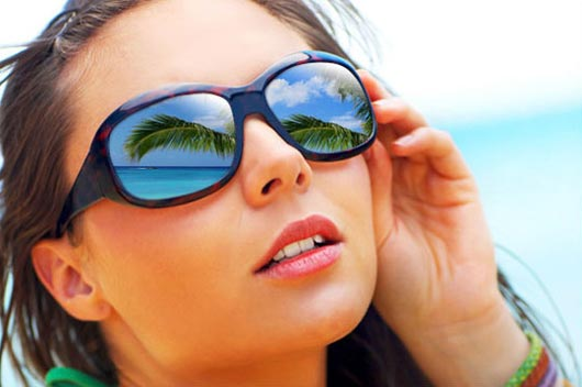 Adding-Reflections-To-Sunglasses